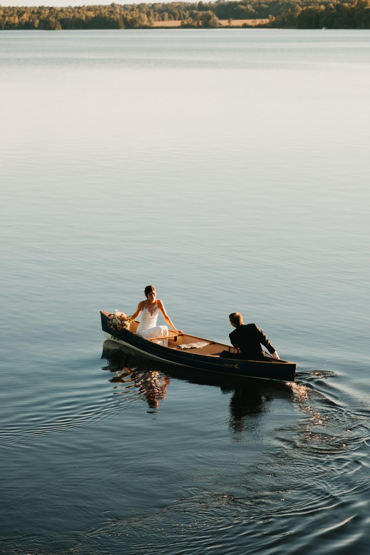 Outdoor Canoe - Elopement - Wilderness Tours Wedding