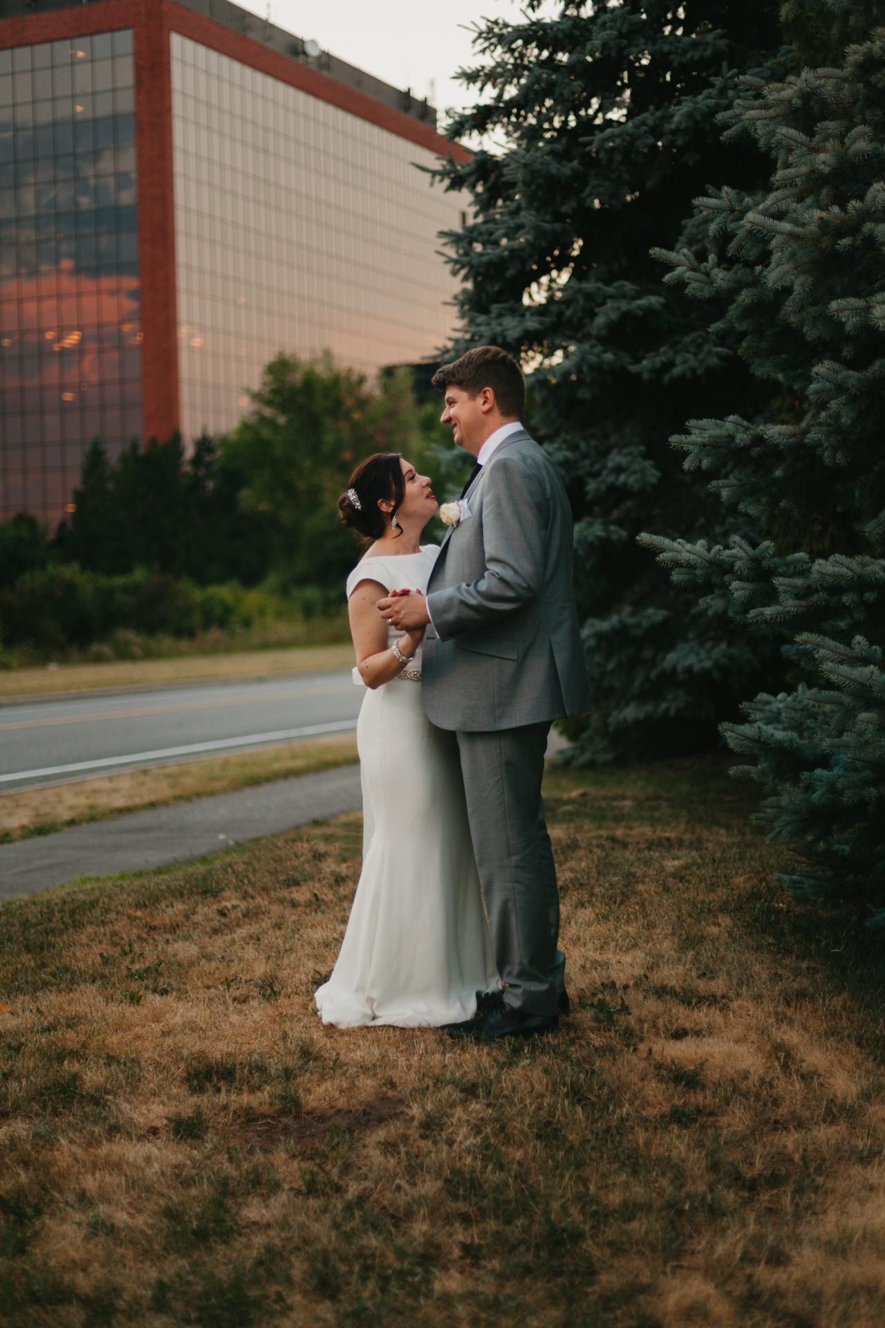 bride and groom on their wedding day kanata